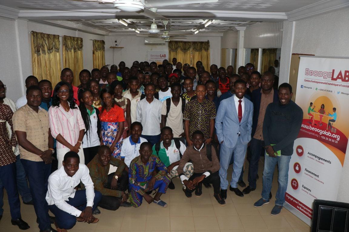 Des informaticiens à l'école de l'entrepreneuriat numérique à BeoogoLAB